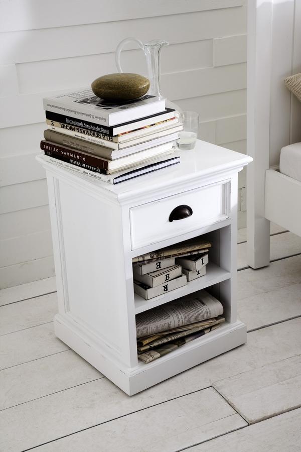 kleines halifax schr nkchen nachttisch weiss novasolo. Black Bedroom Furniture Sets. Home Design Ideas